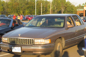 1995 Cadillac DeVille Sedan with 4.9i for parts