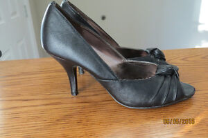 Black shoes with heels for sale Kingston Kingston Area image 1