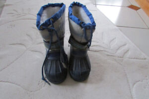 New Thomas the Train Boots  (Brand New with Tags)  Size 11