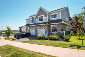 60 Hazelton Hill - Stunning Semi in Parks of West Bedford