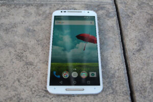 Moto x 2nd Gen 2014 - bad battery but excellent condition