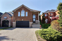 Gorgeous Raised Bungalow in Pickering, in-law suite potential