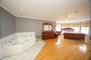 Lease or Lease to own- Executive 4000 sq ft, 4bdr, 4.5 baths St. John's Newfoundland image 6
