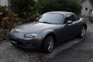 2006 Mazda MX-5 Miata 5-speed Manual-A/C , Color Matched Hardtop