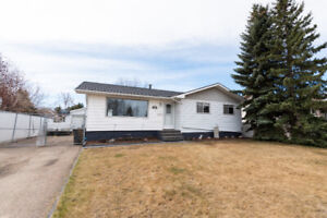 HOME FOR SALE IN SPRUCE GROVE - 18 FIFTH AVENUE