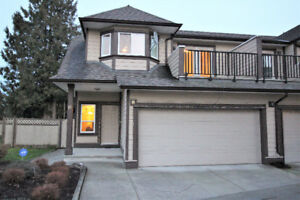 Townhouse for Sale in Surrey 2610 sq.ft.