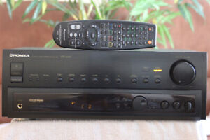 Pioneer Stereo Receiver  VSX-464S with Remote Control