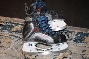 Size 2 Easton Hockey Skates very good condition