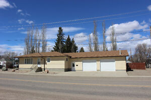 408 Rogers Ave  Picture Butte