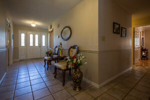 699 Muirfield Cres - Large Bungalow priced to sell! Kingston Kingston Area image 2