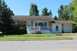 489 Placid Ave - OPEN HOUSE THURSDAY JULY 13 FROM 6-7:30pm