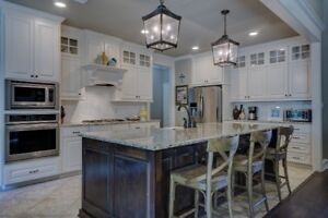 Kitchen Cabinets – Counter tops – Islands – Back Splashes