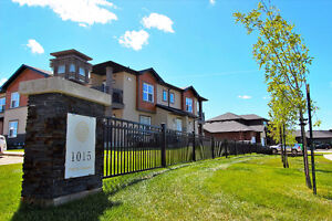 PRICED TO SELL! Prime corner unit. Cash back mortgage available!