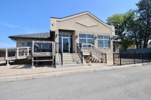Great Freestanding Newer Building with a top quality!!
