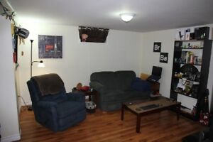 What a deal!! 4 bedroom apt on MUN'S Doorstep!