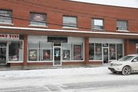 LARGE COMMERCIAL STOREFRONT IN THE WEST-ISLAND