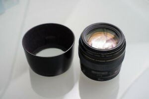 Canon EF 85mm f/1.8 USM Lens with OEM lens hood