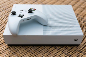 Xbox One S 1TB Console & Gears 5 Bundle | in Rusholme