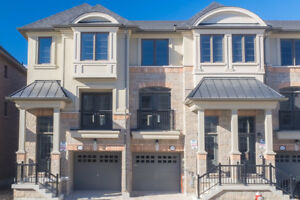 Luxury 4-Bedroom Townhome in Port Credit