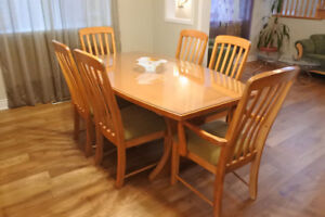 Maple Dinning room for sale