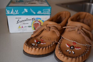 Laurentian Chief Moccasins - Size 5 Brand NEW