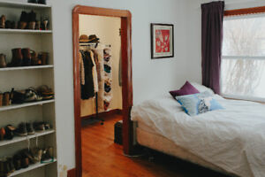 Cozy character apartment 5 minutes from U of A -near down town