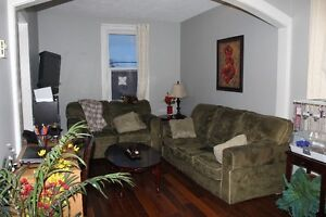 2 Bedroom Apartment close to Lansdowne Place Available Aug. 1
