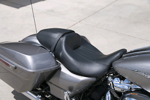 2016 HD road glide special two up seat