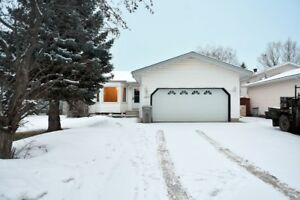 GREAT HOME AND VALUE IN MISSION HEIGHTS | L120931 | $319,900