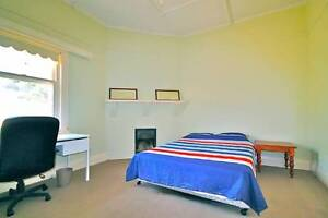 5 Star location with large bedroom! Fully furnished, internet St Peters Norwood Area Preview