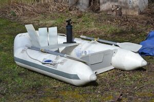 """7' 7"""" Z Ray 200 Inflatable boat"""