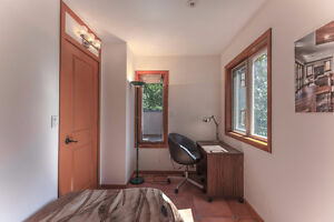 $2,300 2bed/1bath unit in West Vancouver (long/short term) North Shore Greater Vancouver Area image 5