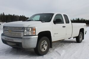 2010 Chevrolet C/K Pickup 2500 long box Pickup Truck