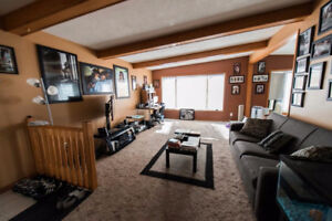 Rental Property - House - Medicine Hat (Crescent Heights)