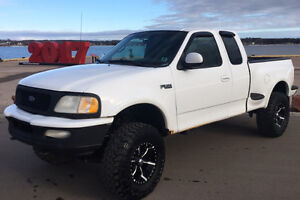 Lifted 1997 Ford F-150 Lariat