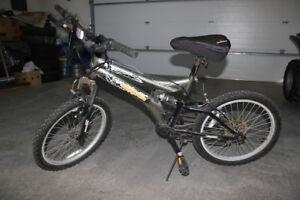 Boys Bike (mongoose) 6-speed