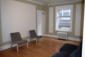 HEATED! Renovated 41/2 at Westmount Park - 1 MONTH FREE