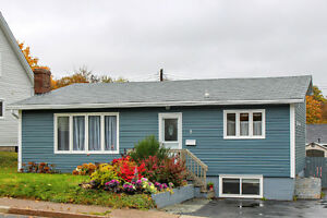 8 Brownrigg Pl - Fully Detached Downtown Home with Parking