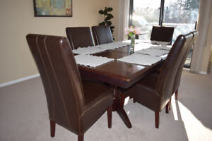High end dinning table / moving sale