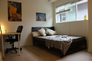 Furnished 4BR @Kits! 1st FL, not basement! Utilities+wifi incl!