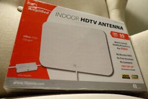 1byone 50 Mile Range Amplified HDTV Antenna (Used)