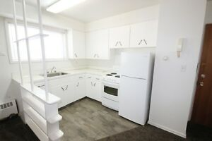 1 Bedroom Apartment Accross From General Hospital March 15