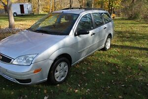 2007 Ford Focus SE Wagon London Ontario image 3