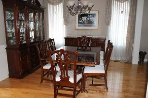 Beautiful Mahogany Dining Set - Reduced price!