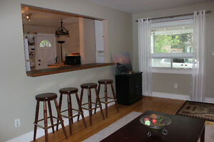 2 Rooms left-Wharncliffe/Oxford - Male students/work term London Ontario image 2