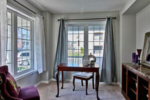 Beautiful 5Yrs New EndUnit Freehold Townhouse Sought After North