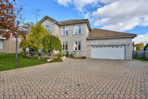 4 Bedroom 4 Bathroom Home in Caledonia!