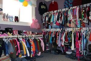 """Girls """"M"""" Outfit - Size 3 Mths London Ontario image 7"""