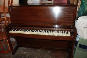 FREE UPRIGHT GRAND PIANO