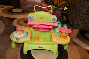 PLAYSKOOL BUSY LIL GARDEN BENCH London Ontario image 2